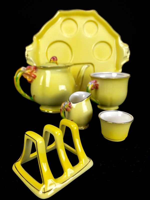 Royal Winton Tiger Lily Breakfast Set For One / Yellow / Vintage Tea Set / 1930s